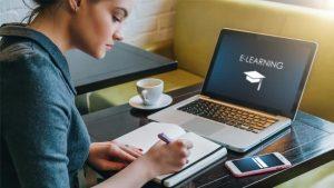 Anda Mahasiswa yang Sulit Fokus saat Kuliah Online? Lakukan Tips Ini untuk Meningkatkan Produktifitas dan Konsentrasi Belajar